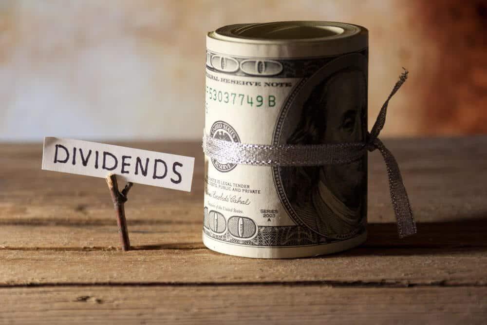 dividends-roll-bills-ss